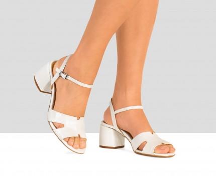 Medium heel woman leather...