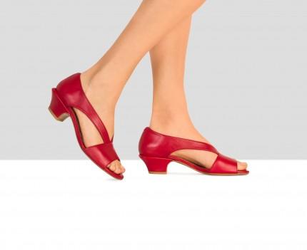 Sandalo da donna in pelle...