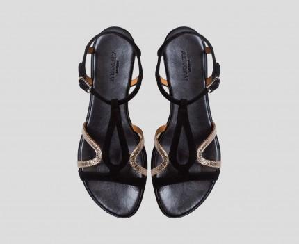 Flat woman leather sandal....